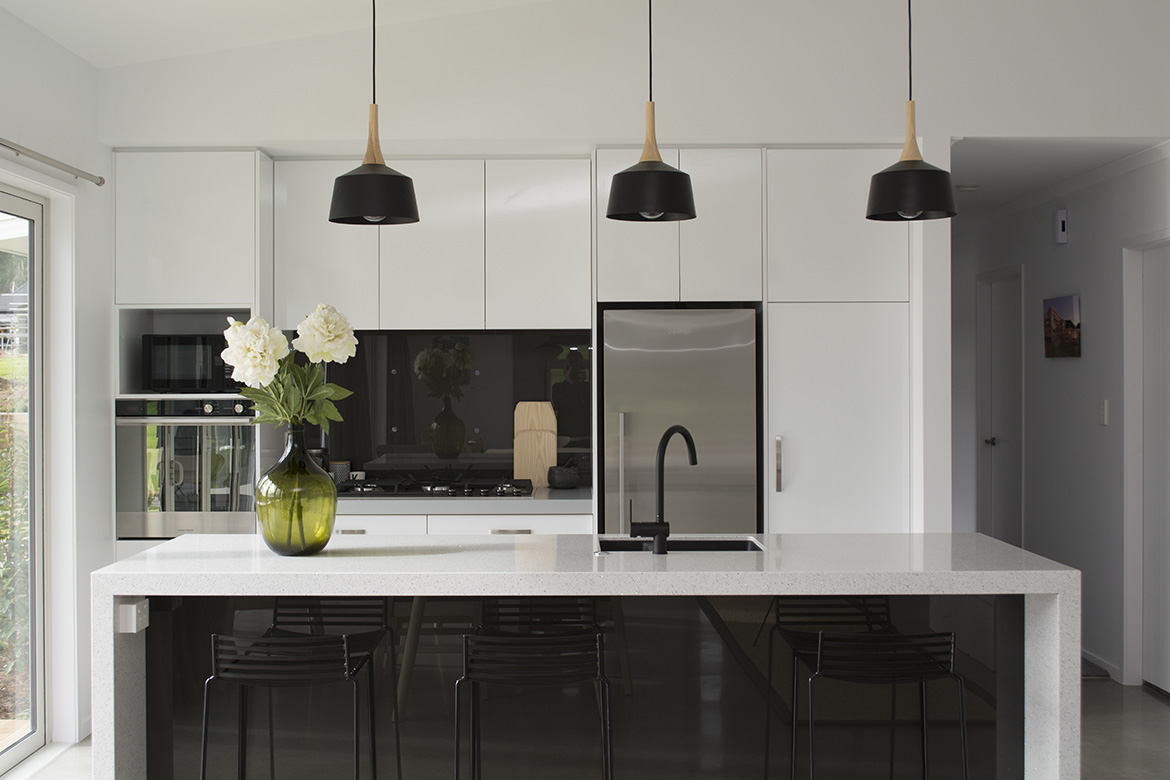 Amazing ... Black And White Kitchen   Kitchen Design Ideas ...